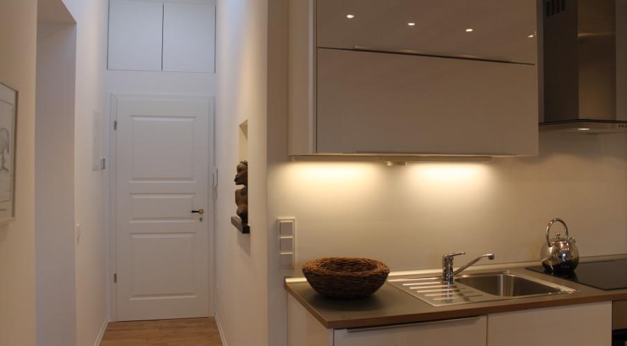 Blick in den Flur und die Küche